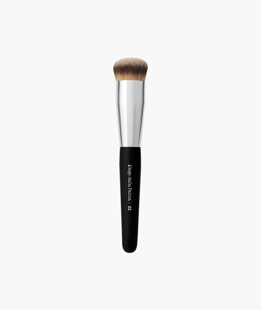 foundation and contouring brush n. 22