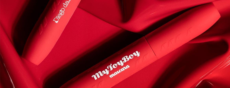 Kun tilaat valitsemiasi tuotteita vähintään 100 eurolla saat meidän bestseller MY TOY BOY -ripsivärin kaupan päälle!